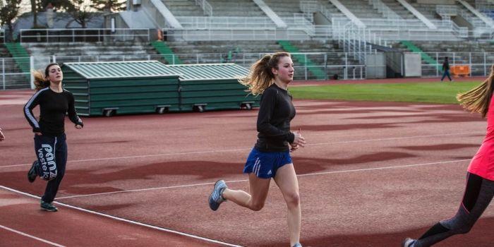 Lyceenne En Section Sportive Le Sport M Aide A Travailler Et A Me