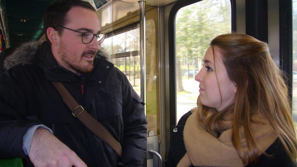 Il faut 12 minutes par le tram à Mathilde et Gautier, étudiants en 2e année du programme grande école pour rejoindre chaque jour depuis le centre-ville le campus d'Audencia BS à Nantes. //©Cécile Peltier