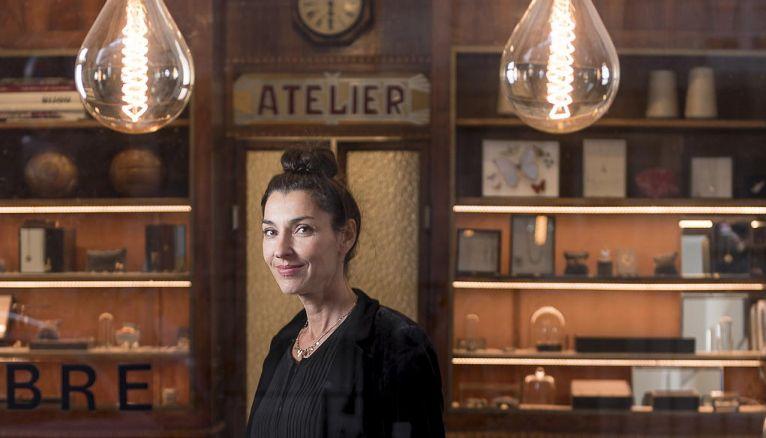 Sophie Pfeffer présente ses collections dans son atelier-show-room du quartier du Marais à Paris.