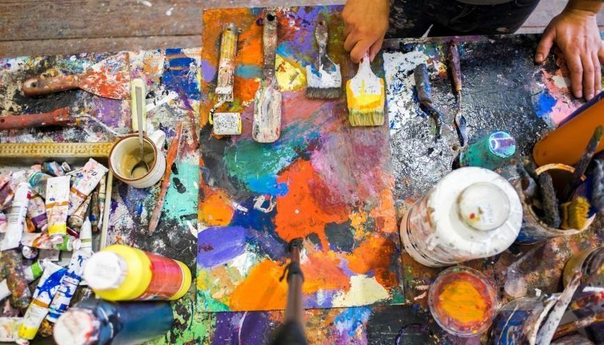 De nombreuses écoles, publiques ou privées, forment aux métiers d'artistes. Celles qui relèvent du ministère de la Culture intègrent la plate-forme Parcoursup dès 2020. //©PLAIN PICTURE / DEEPOL