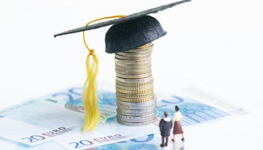 Dans certains secteurs, les débutants peuvent déjà prétendre à un salaire compris entre 40.000 et 45.000 € brut par an. //©Calvste / Adobe Stock