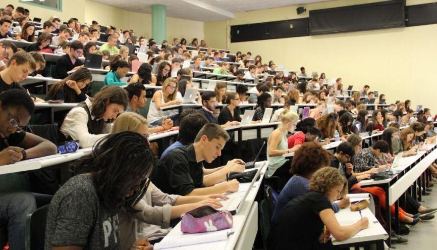 Au 31 décembre 2016, plus de 90 % des diplômés de master de 2014 ont trouvé un emploi. //©Camille Stromboni
