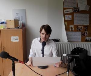 Animateur de la webradio de l'ENS Lyon, Jérémy a acquis une éloquence, qui lui sert dans sa vie d'étudiant.