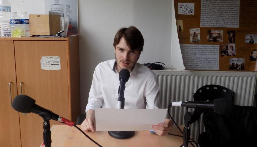 Animateur de la webradio de l'ENS Lyon, Jérémy a acquis une éloquence, qui lui sert dans sa vie d'étudiant. //©TrENSistor