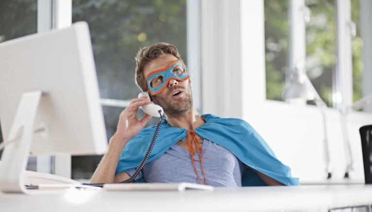 Les conseillers clientèle à distance font partie des métiers recherchés par les entreprises d'assurance.