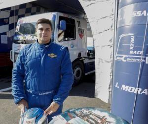 À 24 ans, Kévin Bassanelli est pilote de camion en Coupe de France.