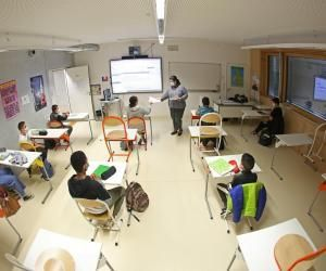 S'ils rouvrent, les collèges devront toujours répondre à un protocole sanitaire et les gestes barrières restent en vigueur.
