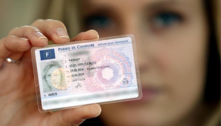 Apprentis majeurs engagés dans la préparation des épreuves du permis de conduire, cette aide est faite pour vous !
