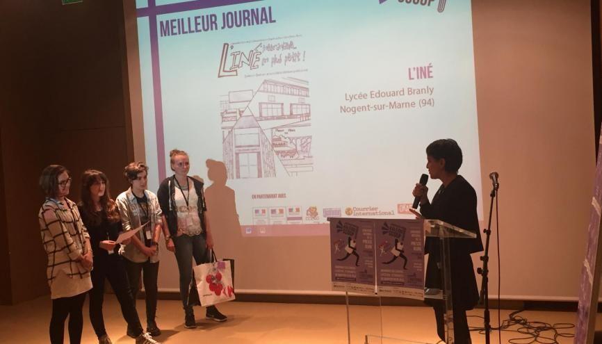 """""""L'Iné"""", le journal du lycée Édouard-Branly, à Nogent-sur-Marne (94), obtient le prix du meilleur journal dans la catégorie lycée, au concours Kaléïdo'scoop 2016. //©Isabelle Dautresme"""