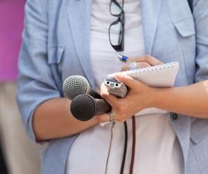 Des prépas peuvent aider les futurs journalistes à se mettre au niveau.