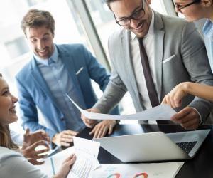 Les masters en commerce, économie et gestion offrent des perspectives dans de nombreux secteurs.