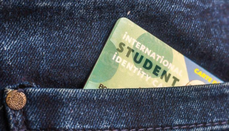 La carte d'étudiant prouve que vous êtes inscrit dans le supérieur.