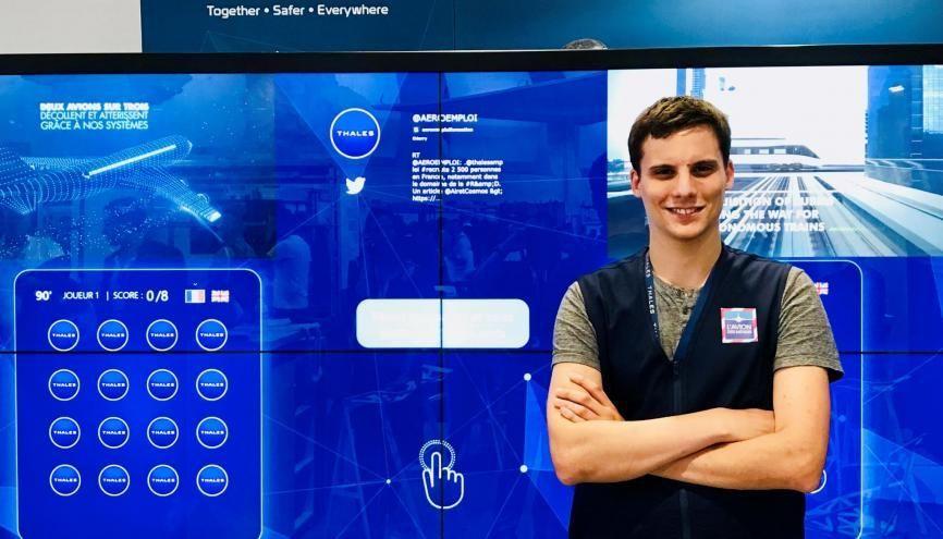 L'industrie aéronautique recherche de nombreux ingénieurs et cadre, à l'image de Clément, spécialiste du traitement d'images chez Thalès. //©Etienne Gless