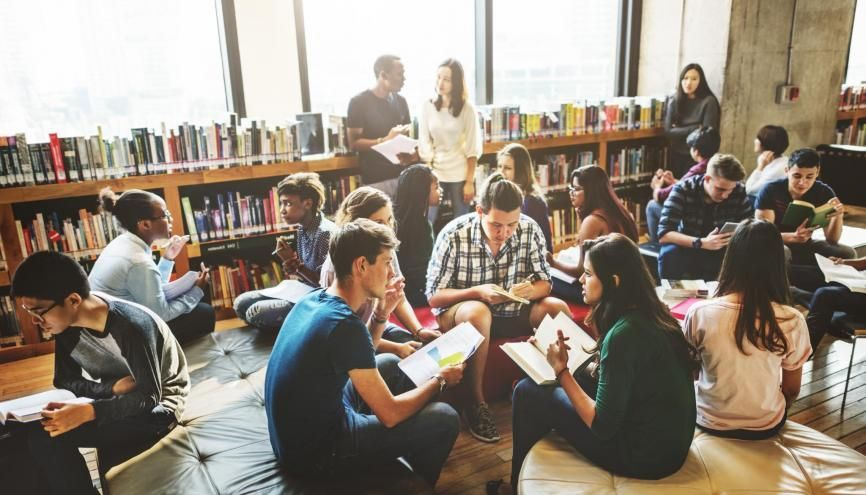 Choisir son école de commerce en fonction des valeurs qu'elle met en avant, une tendance qui prend de l'ampleur chez les étudiants. //©Rawpixel.com/AdobeStock
