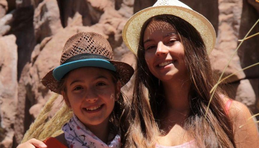 Laurena et Florane, à la découverte d'une autre idée de l'école. //©Photos fournies par les témoins