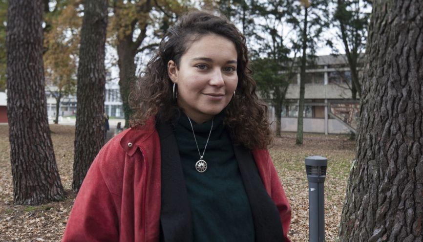 Dans son cursus, Lola apprécie que les étudiants viennent de formations différentes. //©Sabine Delcour pour l'Etudiant