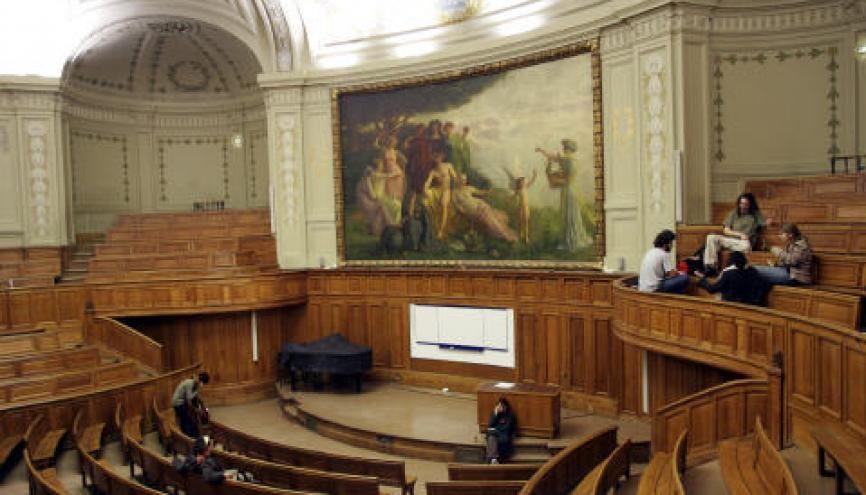 Certains amphithéâtres, comme celui de la Sorbonne, sont restés vides aujourd'hui, après le blocage des salles d'examens. //©© Nicolas TAVERNIER/REA