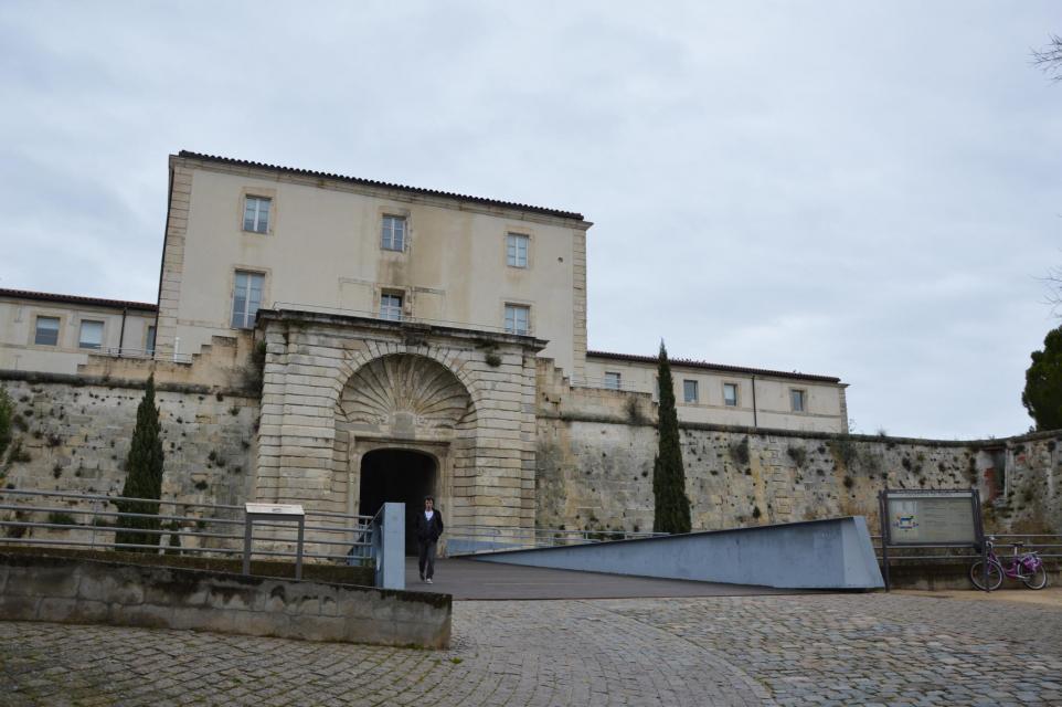 Maison de retraite ma maison nimes elegant rue sainte for Ma maison nimes