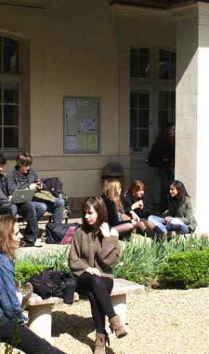 Sciences po Rennes recrute via un concours commun avec six autres IEP (instituts d'études politiques).
