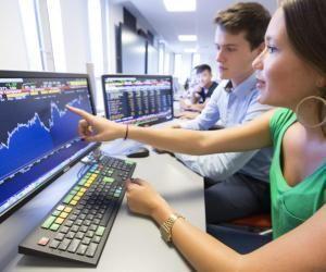 Pour aider ses étudiants à créer des contacts, l'IESEG accueille de nombreuses entreprises du Top 50 Trendence lors de rencontres professionnelles.