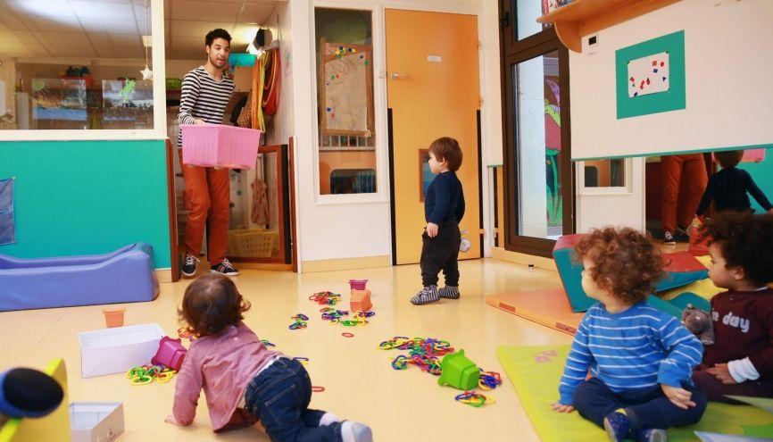 Mathieur, éducateur de jeunes enfants. Peu nombreux dans cette profession, les hommes sont bien accueillis par les recruteurs. //©Bertrand Desprez pour L'Étudiant