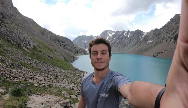 Victor a beaucoup voyagé, comme ici au Kirghizistan.
