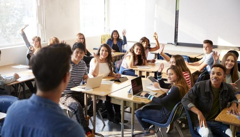 Si certains lycées peinent à répondre aux souhaits des élèves, certains établissements s'organisent pour offrir le plus de spécialités possibles.