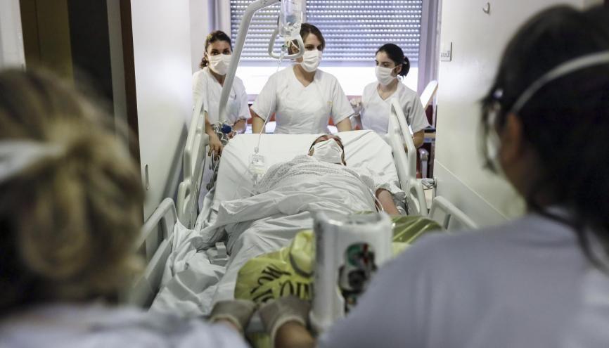 La rémunération des élèves infirmiers volontaires sera fortement augmentée par rapport à un stage. //©Sebastien ORTOLA/REA