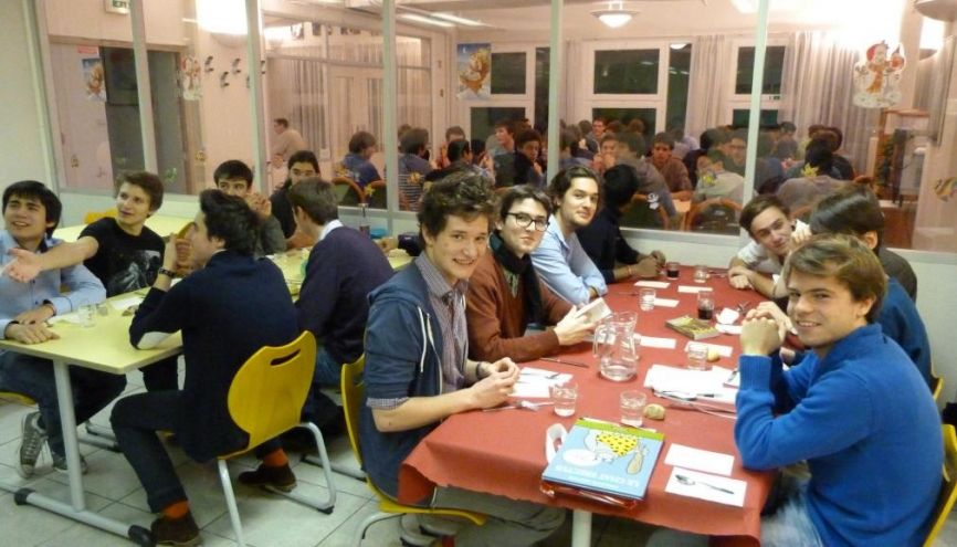 Logement tudiant cinq solutions pour habiter paris for Porte ouverte salon etudiant