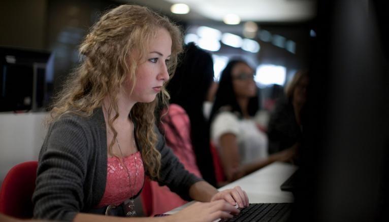 LireLactu.fr : un site qui permet de lire la presse gratuitement au collège ou au lycée.