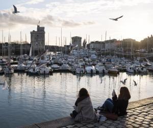 À La Rochelle, comme dans toute la région Nouvelle-Aquitaine, vous pourrez bénéficier d'aides spécifiques en tant qu'étudiant.