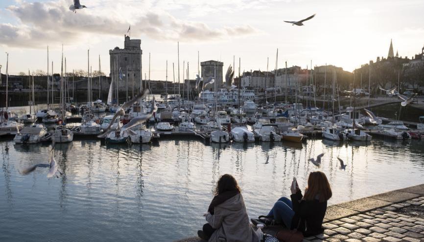 À La Rochelle, comme dans toute la région Nouvelle-Aquitaine, vous pourrez bénéficier d'aides spécifiques en tant qu'étudiant. //©Théophile Trossat