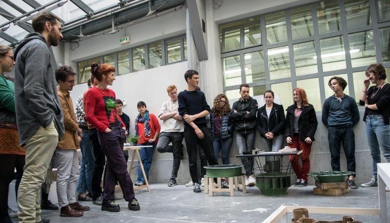 L'École nationale supérieure de création industrielle–Les Ateliers propose plusieurs Mastères Spécialisés, notamment celui en création technologique contemporaine.