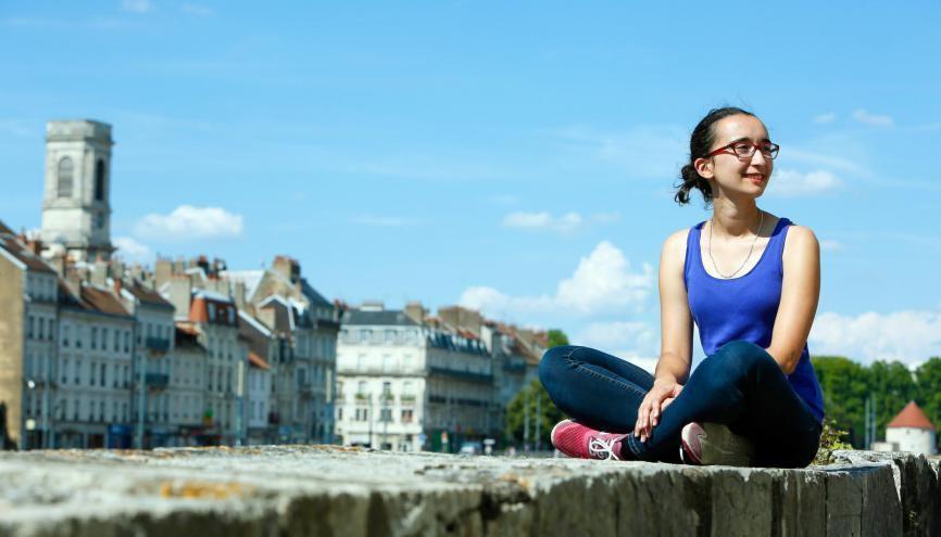 Maurine, 23 ans, en M1 aide à la décision en aménagement urbain et régional, à l'université de Besançon. //©Mathieu Cugnot/Divergence pour l'Etudiant