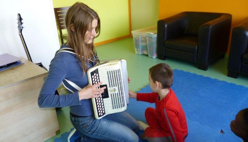 Passionnée de psychologie et de musique, Anne a opté pour la musicothérapie. //©Photo fournie par le témoin