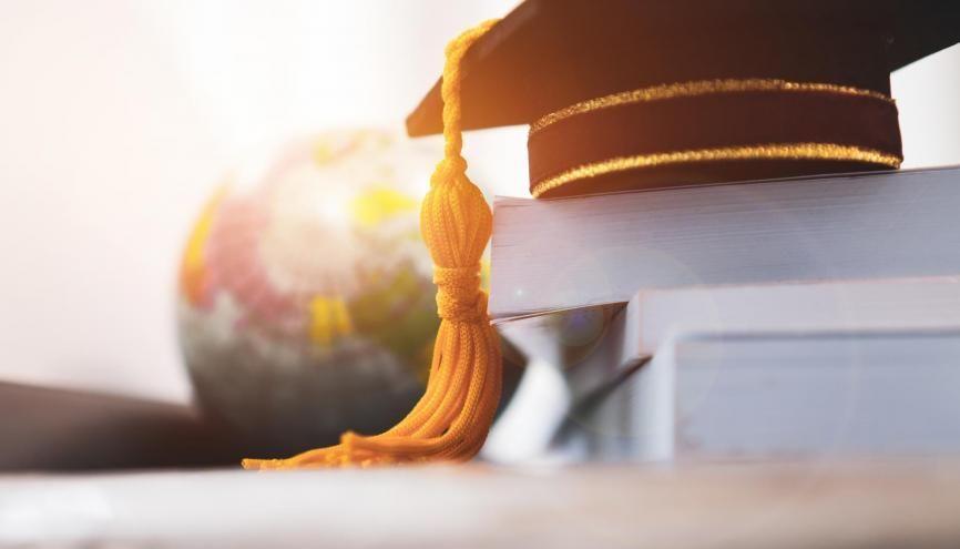 90.000 étudiants français partent chaque année effectuer tout ou une partie de leur cursus à l'étranger. //©Adobe Stock/ smolaw11
