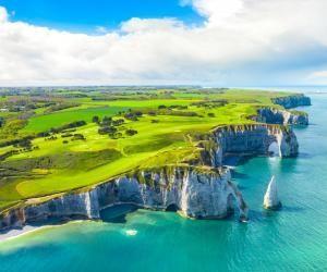 La Normandie dispose d'une offre balnéaire, culturelle et patrimoniale exceptionnelle.