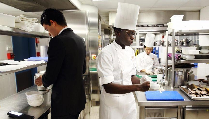 L h tellerie restauration des m tiers la carte l 39 etudiant for La cuisine de l etudiant