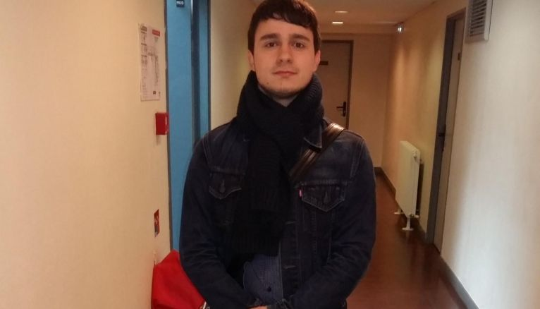 """Nicolas, 19 ans : """"Il faut se tourner vers des personnes bienveillantes qui donnent de bons conseils."""""""