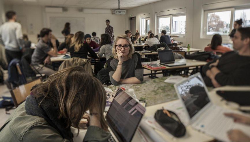 La plupart des masters universitaires comportent des travaux d'application sur des cas concrets (ici, l'université Bordeaux-Montaigne). //©Sabine Delcour pour l'Étudiant