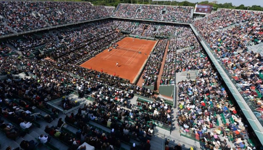 Un autre moyen de vivre les Internationaux de France de tennis que derrière son petit écran : y travailler ! //©Christophe Saïdi - FFT