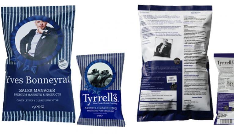 Imprimés sur ce faux paquet de chips imitant parfaitement le packaging de l'entreprise ciblée : un CV et une lettre de motivation.