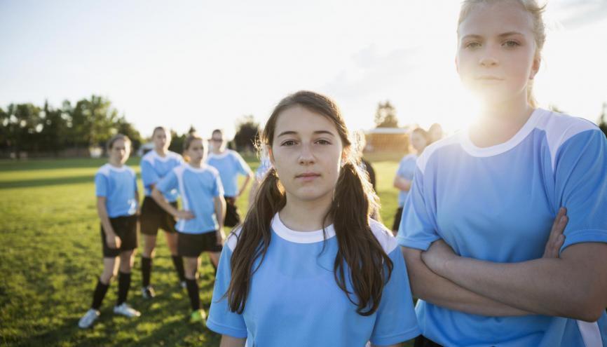 Et si être capitaine d'équipe sportive vous donnait des points pour être admis(e) dans les études supérieures ? //©plainpicture/Hero Images