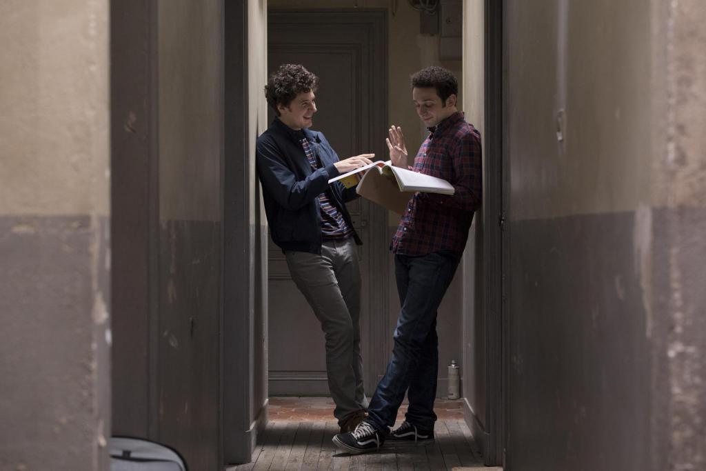 """Benjamin (Vincent Lacoste) et Antoine (William Lebghil), soudés dans l'énergie de l'éprouvante préparation de la """"Première année"""" de PACES. //©Denis Manin/ 31 Juin Films"""
