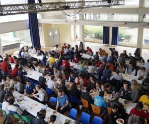 300 élèves des 5 Ecoles Centrales se sont réunis les 12 et 13 avril 2015 sur le campus francilien.