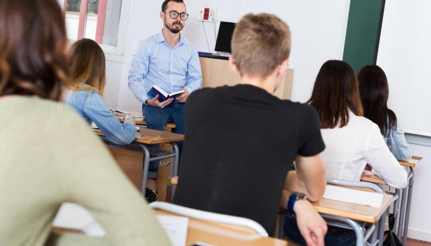 Dans les lycées, l'accompagnement joue un rôle majeur pour faire briller les élèves. //©Adobe Stock/JackF