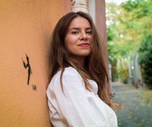 Mathilde apprécie Clermont-Ferrand pour son dynamisme socio-culturel et son cadre de vie.