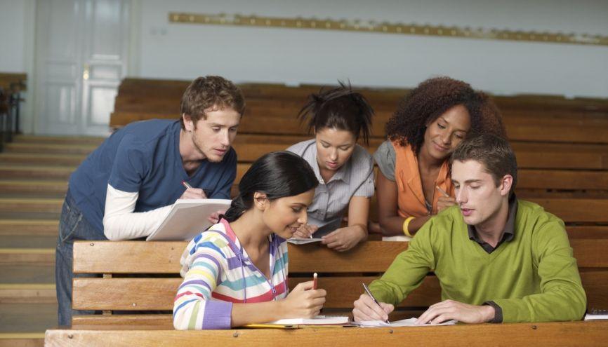 Le tutorat est un passage quasi obligé pour réussir sa PACES. //©PlainPicture / STOCK4B-RF