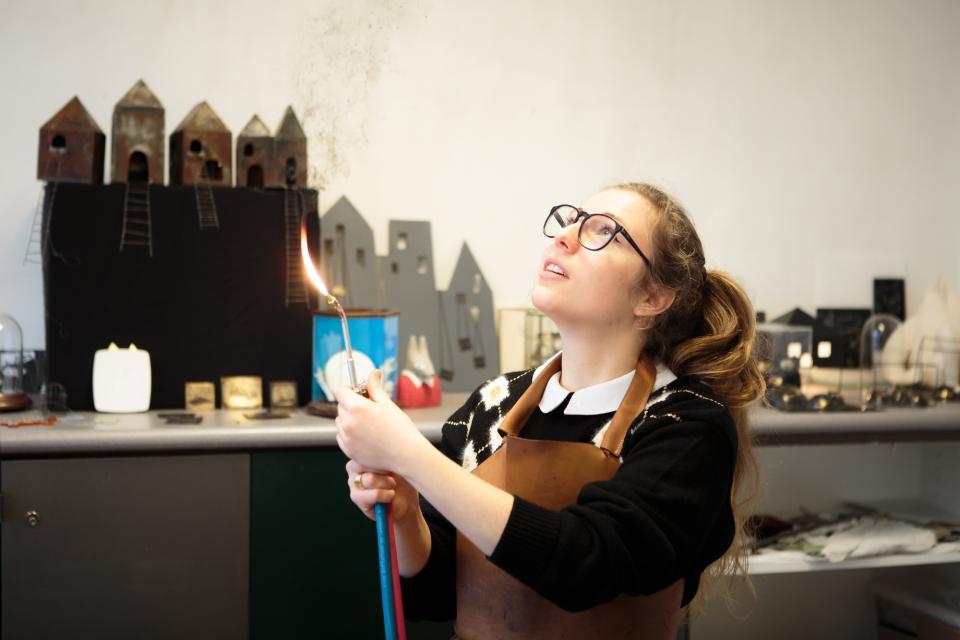Designer, ébéniste, créateur de bijoux... 10 métiers d'artisanat d'art //©Thomas Louapre / Divergence pour l'Étudiant