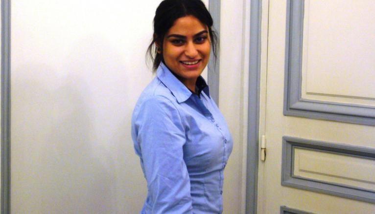 Ramda, 18 ans, utilise le site Clic'n'job pour faciliter sa recherche d'emploi.